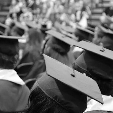 graduation-cap-3430714_640